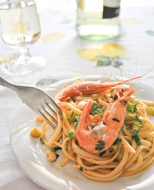 Linguine ai Fiori di #Zucca, #Zucchine e #Gamberi... l'Estate continua in leggerezza!   @Agostina Battaglia