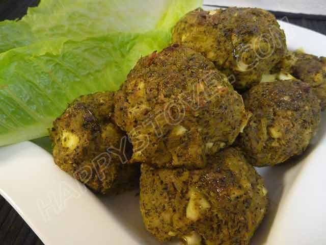 Oven Baked Broccoli No-Meat-Balls - Recipe -  a delicious and yummy idea for a healthy,  vegetarian, meal. Perfect either hot and cold, these meatballs can be served as appetizers or become a great standalone main dish.
