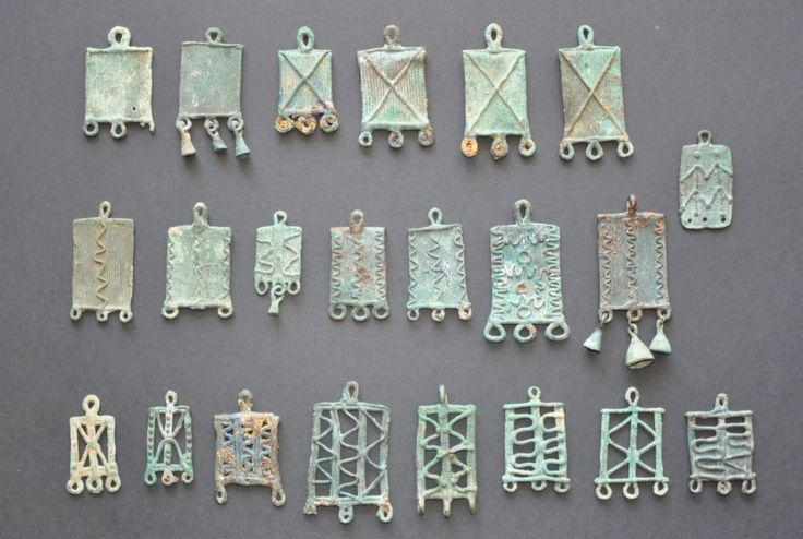 Luristan bronze Amlash bronze pendants, 1st millenium B.C. Luristan bronze Amlash bronze pendants. Private collection For more Amlash bronze pendants please visit https://it.pinterest.com/andreacanecane/amlash-bronze-pendants/?etslf=4989&eq=pendant