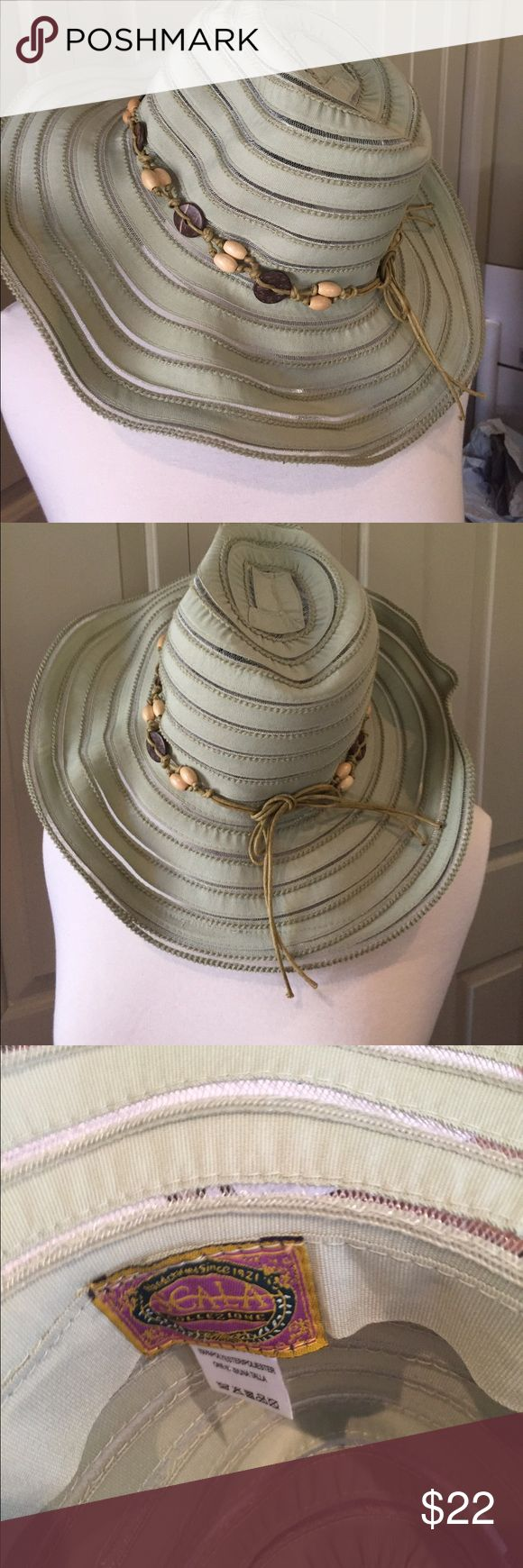 """Scala flexible rim fun in the sun ☀️  Hat Well made hat- excellent brand. Brim is about 17 inches and the head part is about 9 inches. The rim piece has """"what the call a flex band"""" so you fix any way you like Scala Accessories Hats"""
