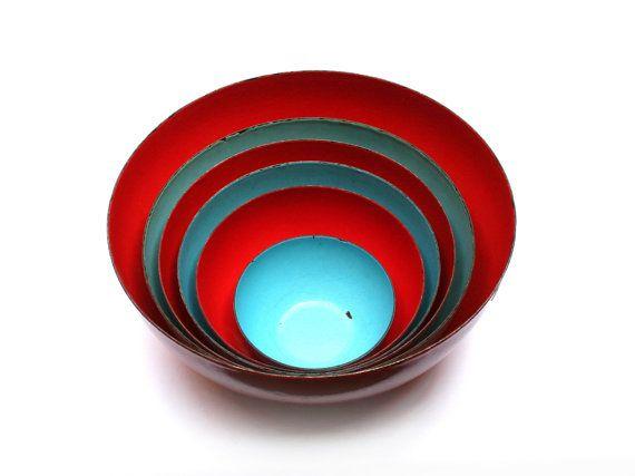 FINEL bowls set . Designed by KAJ FRANCK . Enamel metal . Red and turquoise . Made in Finland . Vintage 1950s