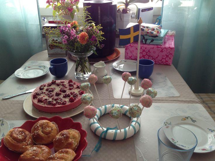 Birthdayparty #cakepops #raspberrymoussecake