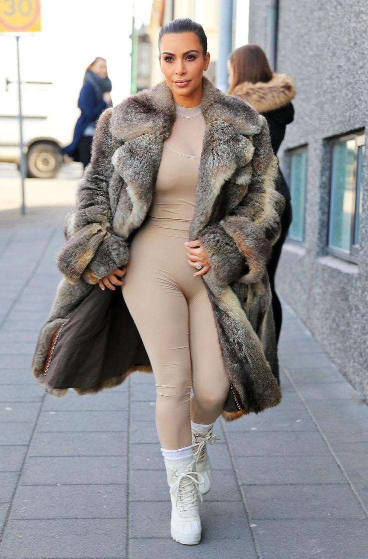 Kim Kardashian in Unbutton Suit Jacket - Kim Kardashian Fashion Photos