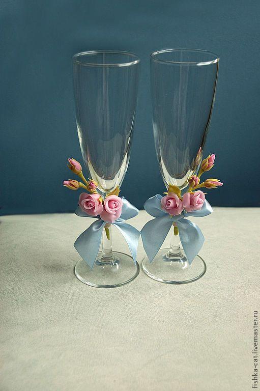 Свадебные бокалы с розами - роза,розовый,бокалы для свадьбы,бокалы для молодоженов