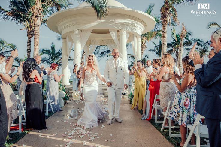Wedding Ceremony at Hyatt Ziva, Los Cabos. #emweddingsphotography #destinationweddings
