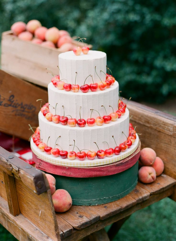 Five+ways+to+incorporate+fruit+wedding+decor+into+your+big+day