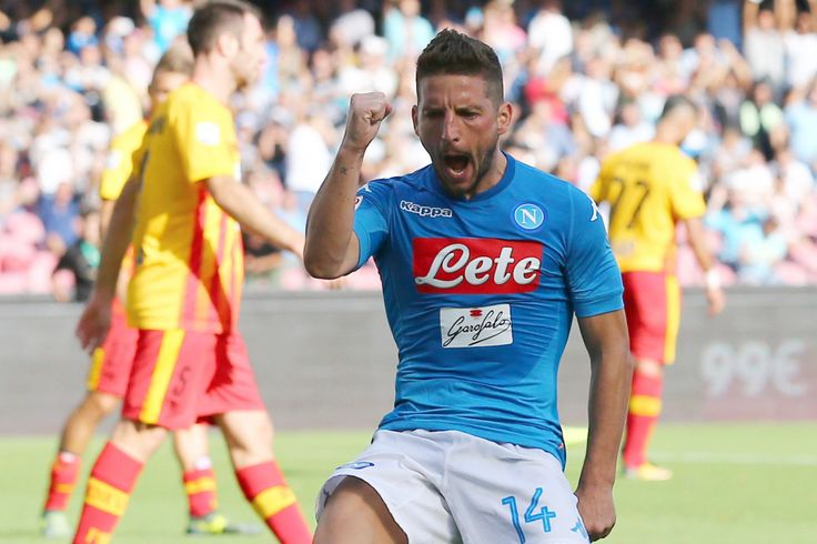 Albarella eFico parlarlano del Napoli, di Mertens inserito nella lista dei 30 candidati al Pallone d'Oro e di altro.