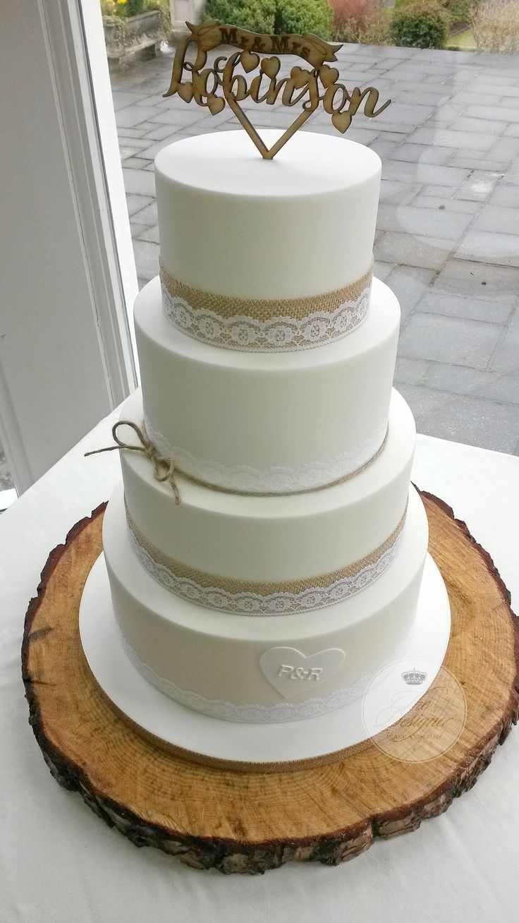 Hessian & lace wedding cake
