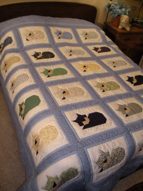 Custom Sleeping Cats Quilt by bluebirdgardens on etsy - Pam Bono-designed…