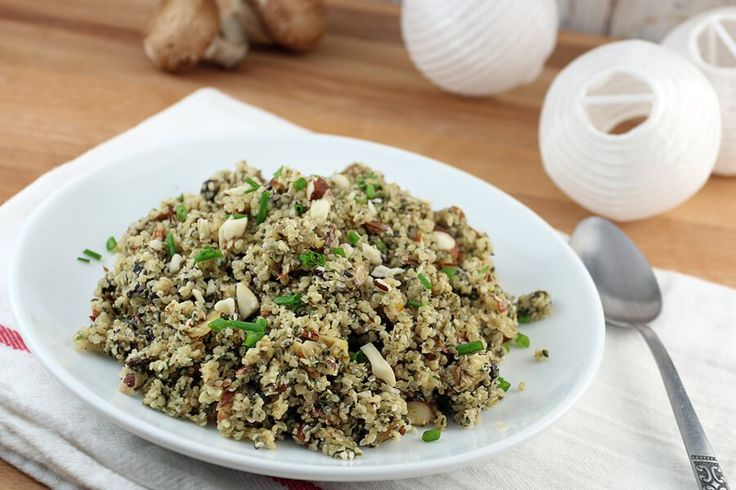 Okay, okay, before you get angry and say that wild rice isn't keto – we're definitely not using wild rice in this recipe. We're using shelled hemp heart seeds to mimic this taste and texture, and boy does it do a good job. I grabbed these hemp seeds when I first heard about them and …