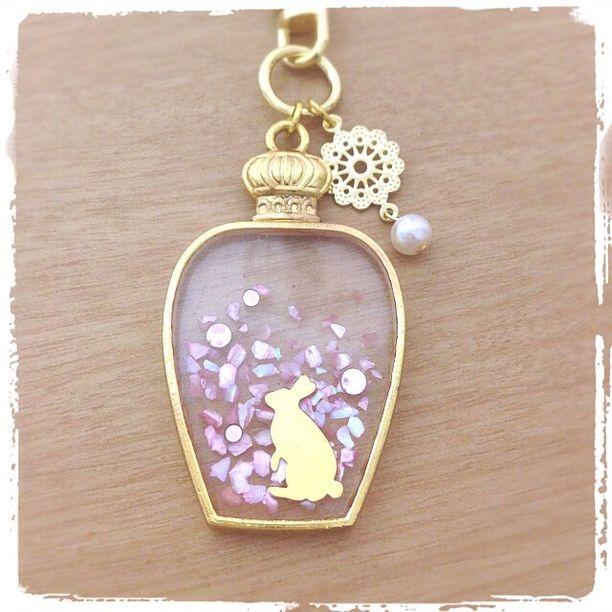 香水ビン キーホルダー(ウサギ・ピンク)画像1
