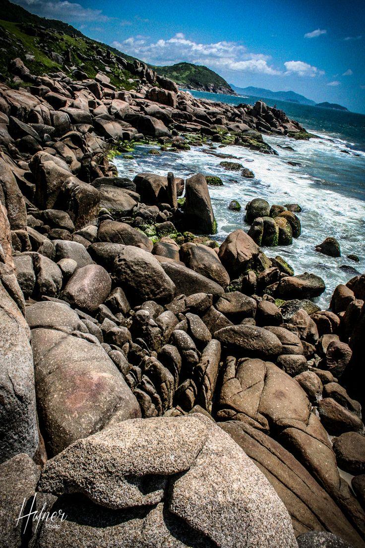 Praia Guarda do Embaú - Florianópolis, Santa Catarina, Brasil