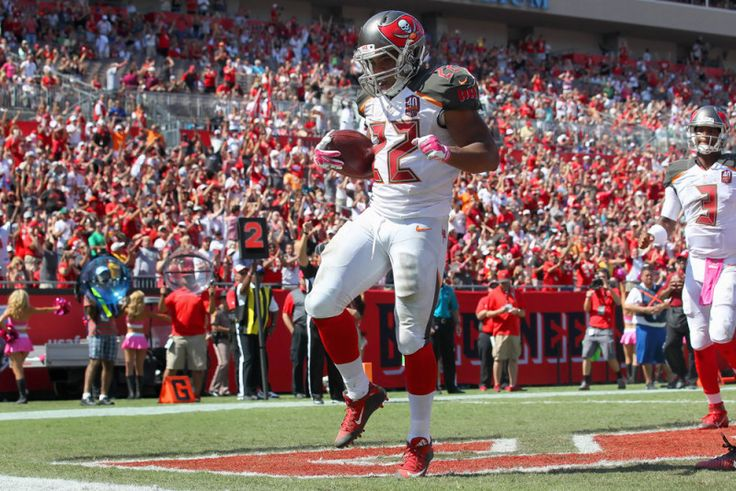 Devonta Freeman and Doug Martin square off Sunday - The game today between the Tampa Bay Buccaneers and the Atlanta Falcons will feature two of the top running backs in the National Football League. Atlanta second-year running back Devonta Freeman leads.....