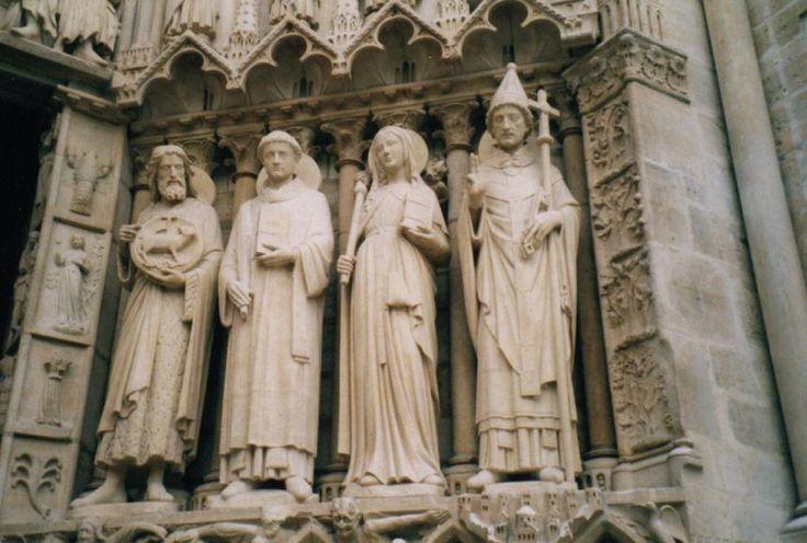 Ebrasement du portail du Couronnement de Notre-Dame de Paris, début des travaux 1163 - fin des travaux 1345, Paris en Ile-de-France