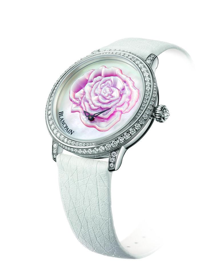 """Blancpain siempre ha prestado una particular atención a los relojes de mujer, más que la mayoría de las marcas. No sólo eso: en vez de utilizar relojes de la colección y """"adaptarlos"""" para mujer se piensa los relojes de arriba abajo, resultando en piezas definitivamente femeninas."""