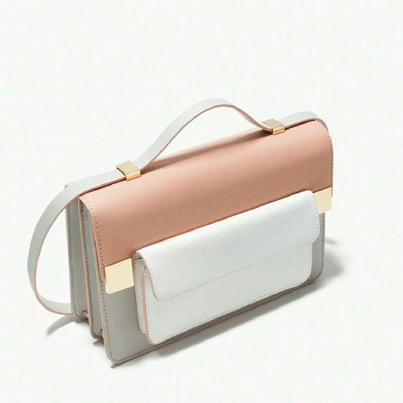 Zara colorblock messenger bag Sold out online. The bag has three compartments (one with a zipper) and one small pocket inside and one outside for your keys and phone. Very beautiful pastel colors Zara Bags Shoulder Bags