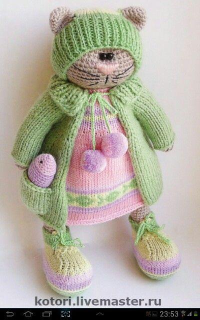 Food in my pocket :) Crochet cat
