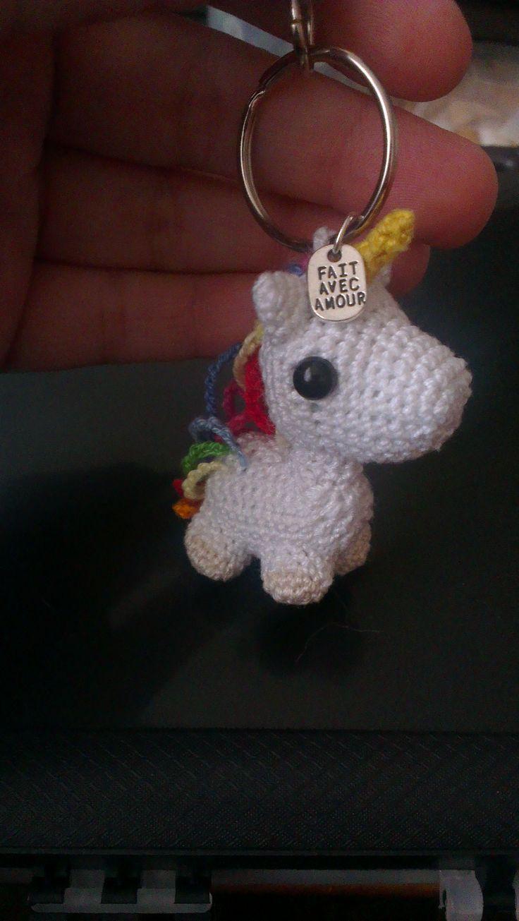 porte clef licorne - unicorn keyholder crochet amigurumi