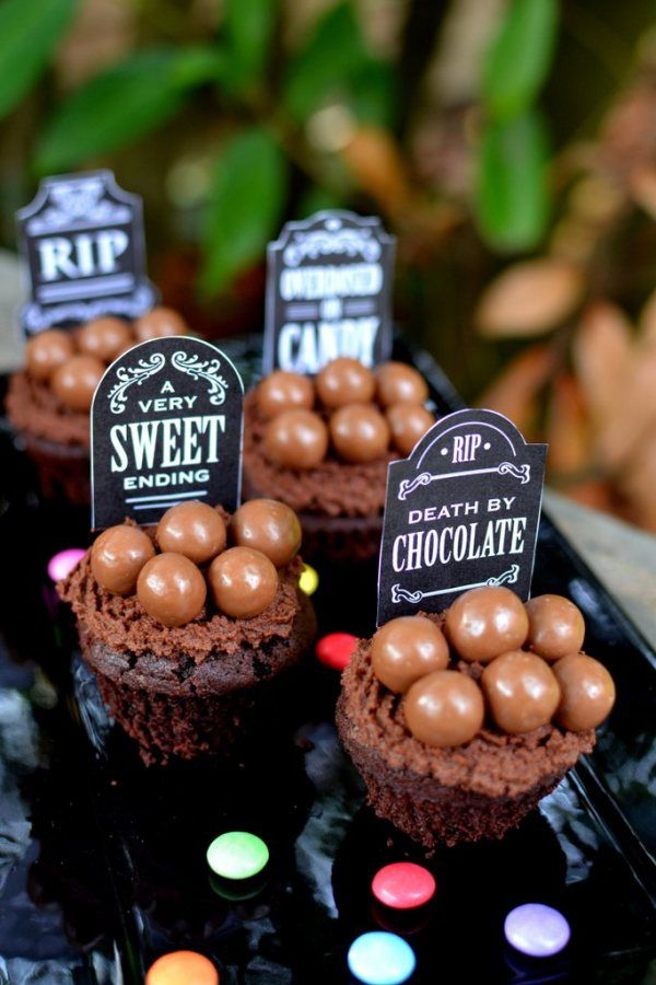 Spooktacular Chocolate Cupcakes