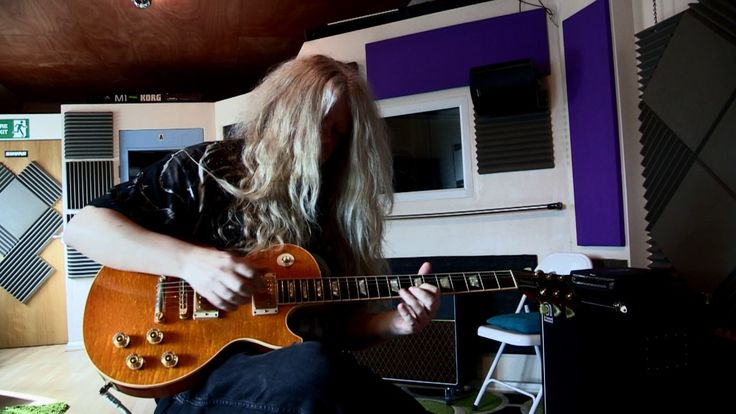 More Behind The Scenes with 7LoxRok Recording Long-Haired Loxley