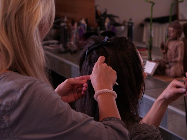Készül a hosszabbított haj