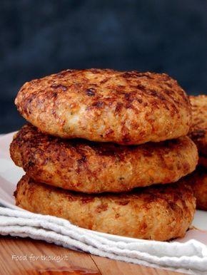 Μπιφτέκια κοτόπουλου. Μπέργκερ κοτόπουλου με παρμεζάνα. http://laxtaristessyntages.blogspot.gr/2015/01/burger-kotopoulou-me-parmezana.html