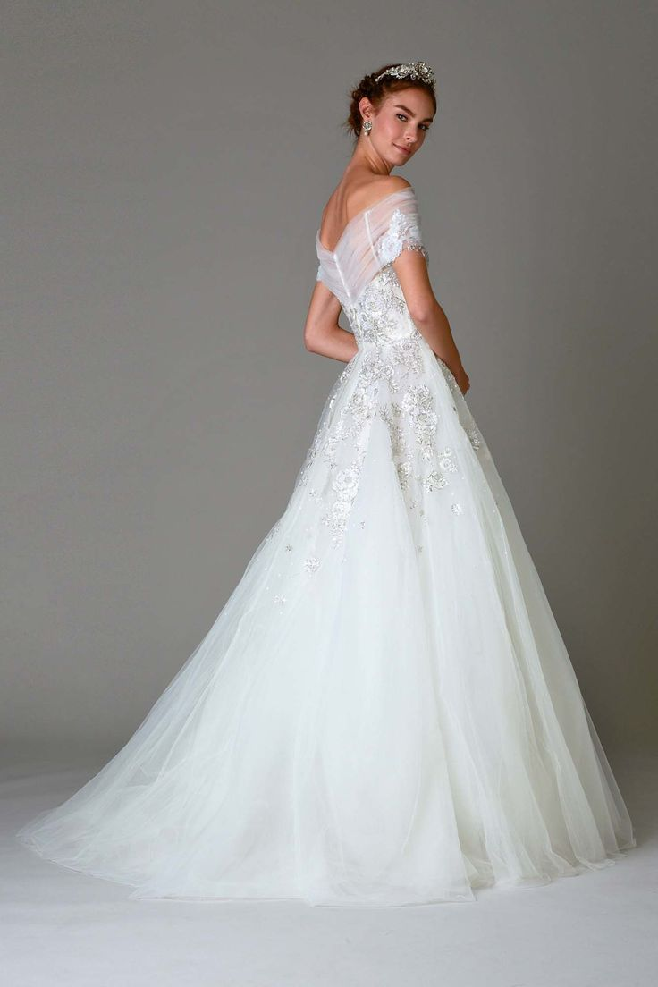 174 best designer wedding dresses images on pinterest wedding marchesa bridal fall 2016 collection photos vogue ombrellifo Image collections