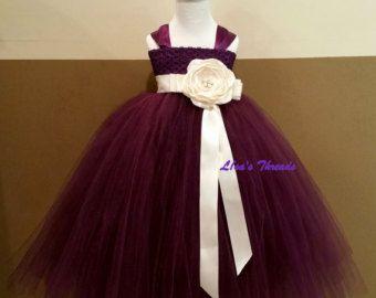 Borgoña vestido damas de honor Junior vestirán por LisasThreads