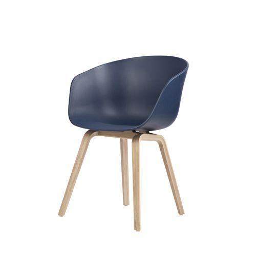 hay about a chair kleur blauw