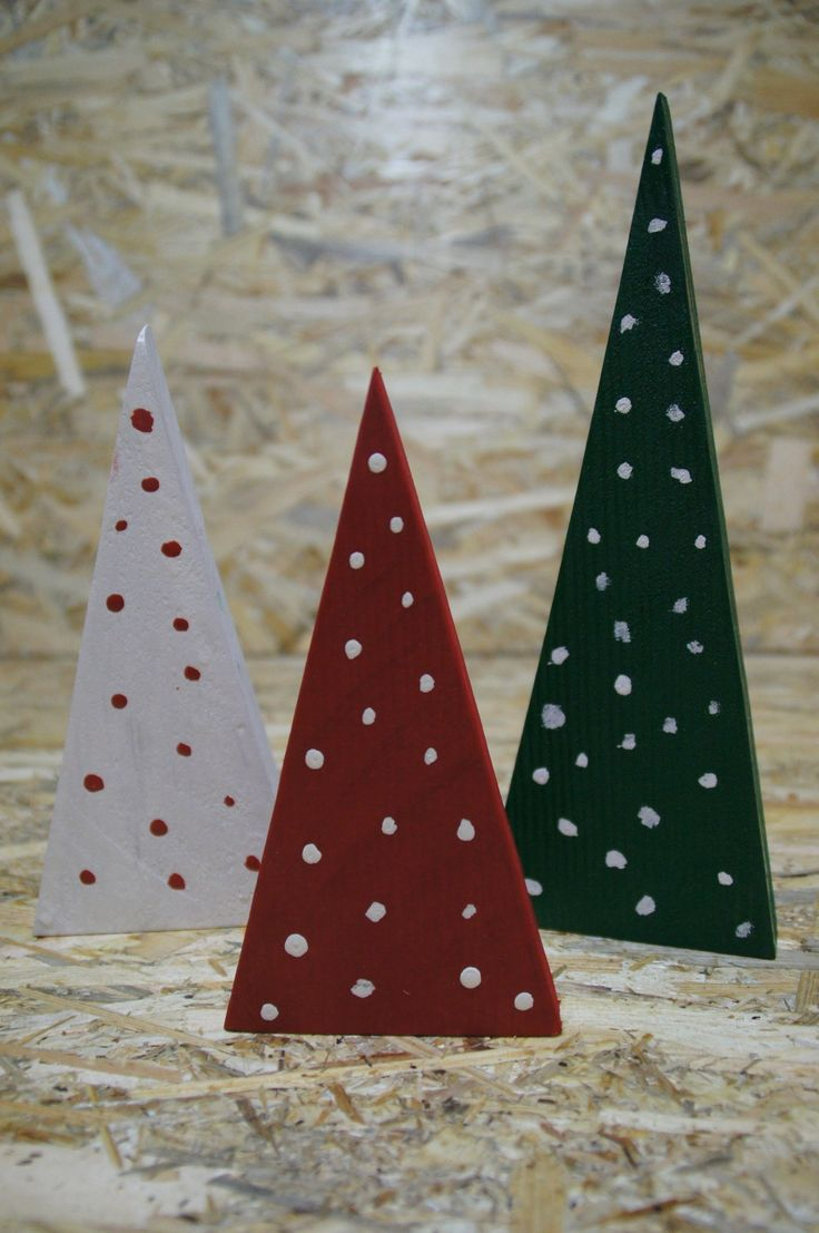 Christmas tree x 3, DIY, workshop, wood, white & red & green, christmas time