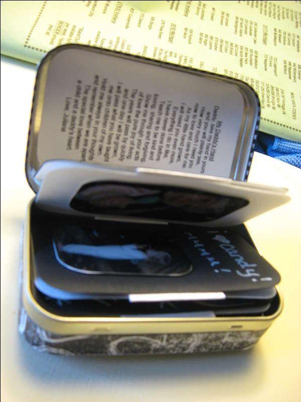 Altered Altoid Tin Mini Scrapbook (inside)