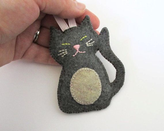 Felt Cat Ornament in Gray and Oatmeal by HeatherAnnRodak on Etsy