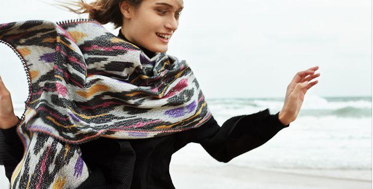 TOKAT GREY Scarf. Handwoven fabric. Lace crochet with silk yarn. Beautiful oriental structure. Bright colors. www.zemzematelier.com