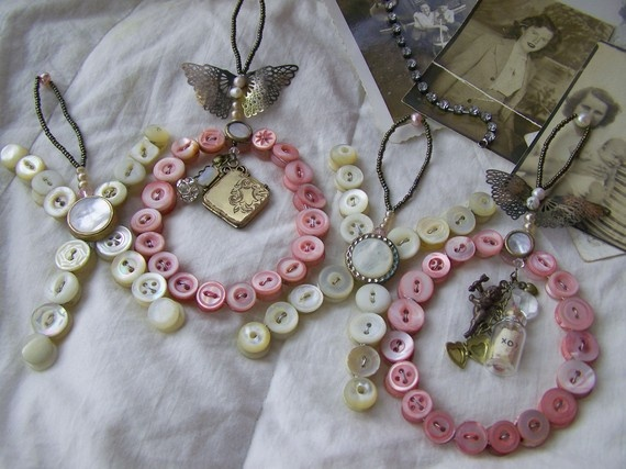 Antique Button Letters oh want to make!