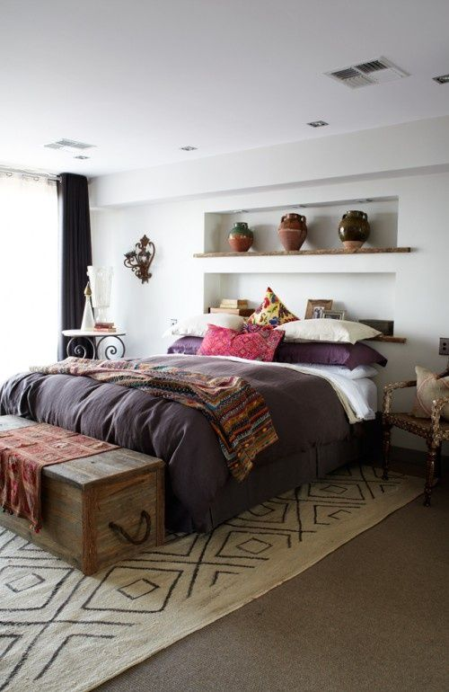 A great bedroom, purple *is* my favorite color... probably a little too lady like for JPC to agree on it. But the rug?! IS KILLER!!