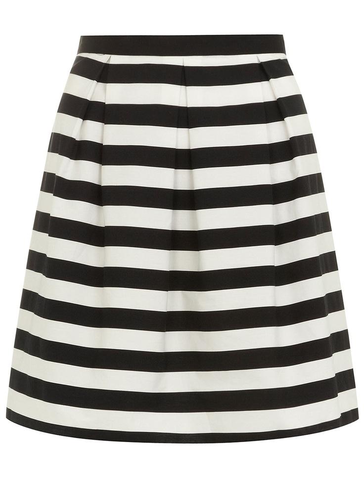 Pin By Clara Kodosky On Fashion Black Striped Skirt High Fashion Street Style Fashion