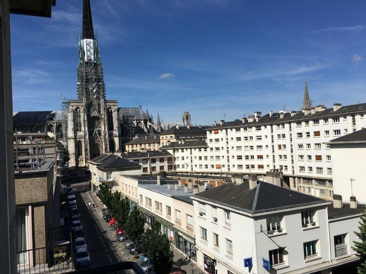 A acheter-a vendre delaitreimmobilier.fr  Rouen cathedrale appartement entierement renové de 63 m2 avec ascenseur,balcon et cave  entrée avec rangements,séjour avec balcon,cuisine équipée,2 chambres, salle de bains,wc  100 lots de copropriétés  charges annuelles 2040 €uros  prix 209000€uros FAI TTC