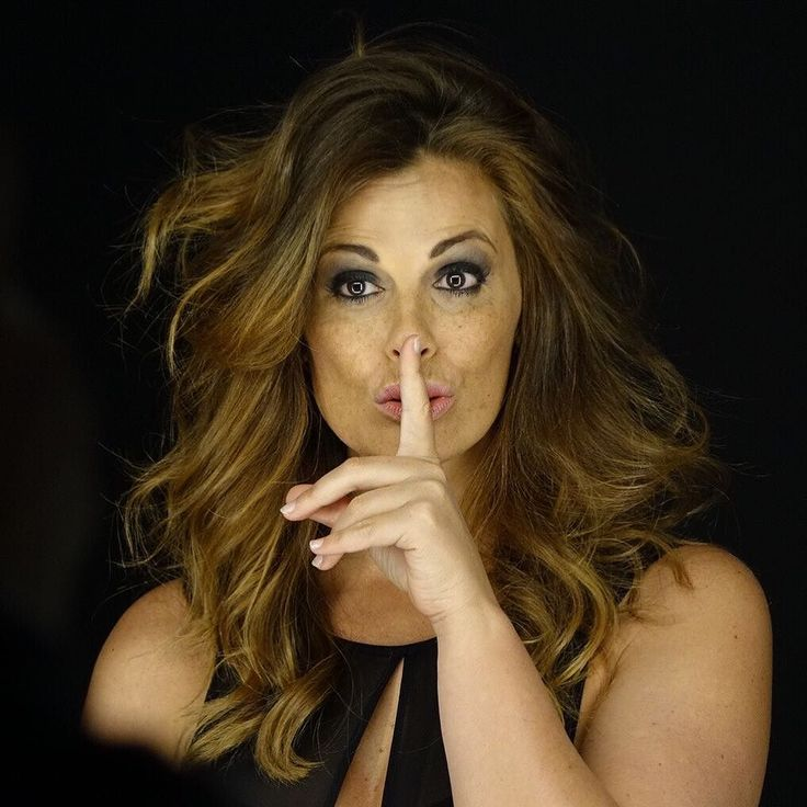 Shhhhh...Non dirlo al mio capo Besitos Amigos #VaneBesitos #Nondirloalmiocapo #Rai1 #Film #fiction by vanessa_incontrada