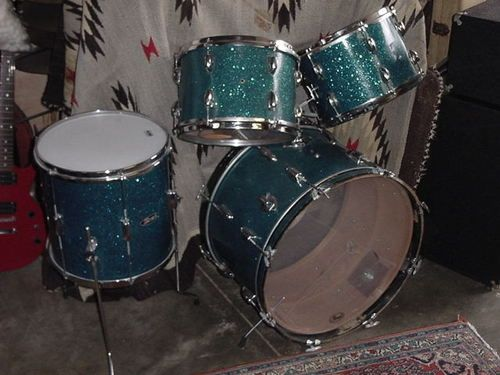 Vintage Pearl Drum Set 1960s..my very first set of drums, i had as a kid!!