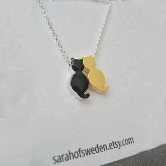I made this necklace for a man who wanted to give this necklace to his fiancée on their wedding day.
