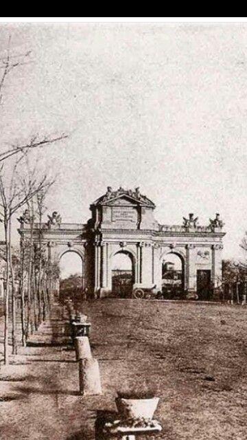 Puerta de Alcalá.Madrid 190...