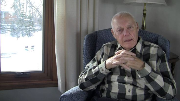 Hall of Fame football coach Bud Grant, talks about his experience using Renewal by Andersen replacement windows in his own home.