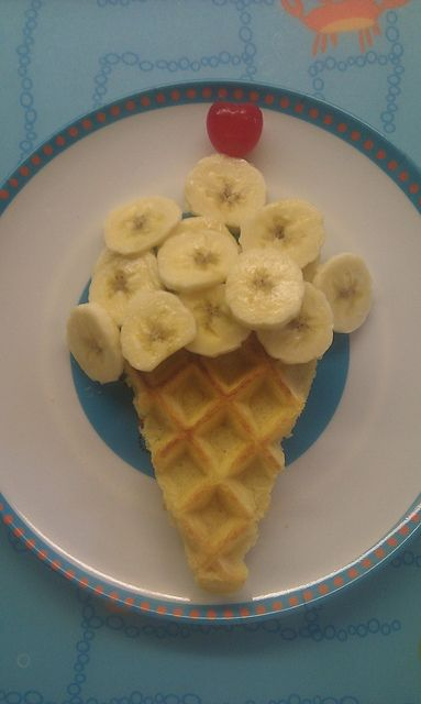 """Cute Breakfast Idea- but lets be honest, I pinned it cause it looks cool (""""art"""") not cause I'm going to make it. lol."""