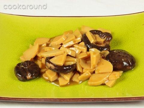 Germogli di bambù con funghi cinesi: Ricette Cina | Cookaround