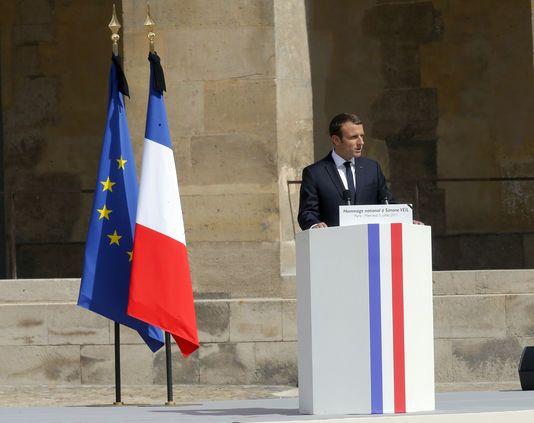 Aux obsèques de la femme politique et rescapée de la Shoah, le chef de l'Etat Emmanuel Macron a conclu son éloge funèbre sur cette décision.