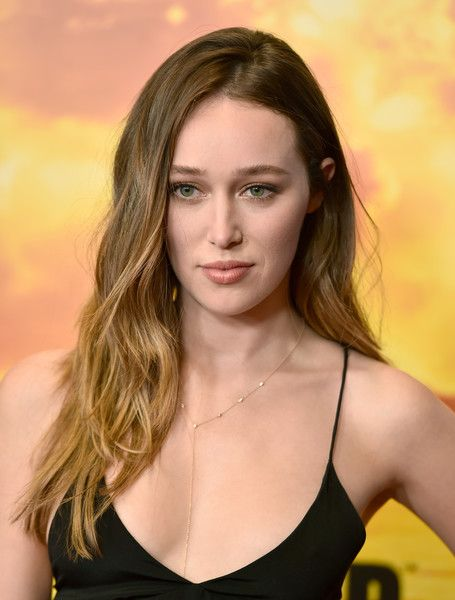 Alycia Debnam-Carey Fotos Fotos: Premiere von AMC 'Fear the Walking Dead' Staffel 2 – Ankünfte