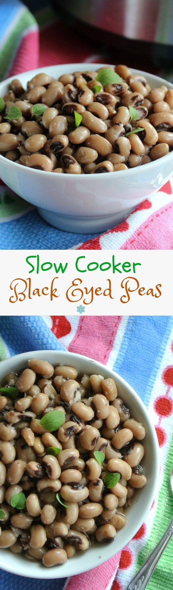 Slow Cooker Black Eyed Peas are easy from a slow cooker! They're a tradition to have on New Year´s day too. You will have a lucky day for every bean that you eat. Really! ~ http://veganinthefreezer.com