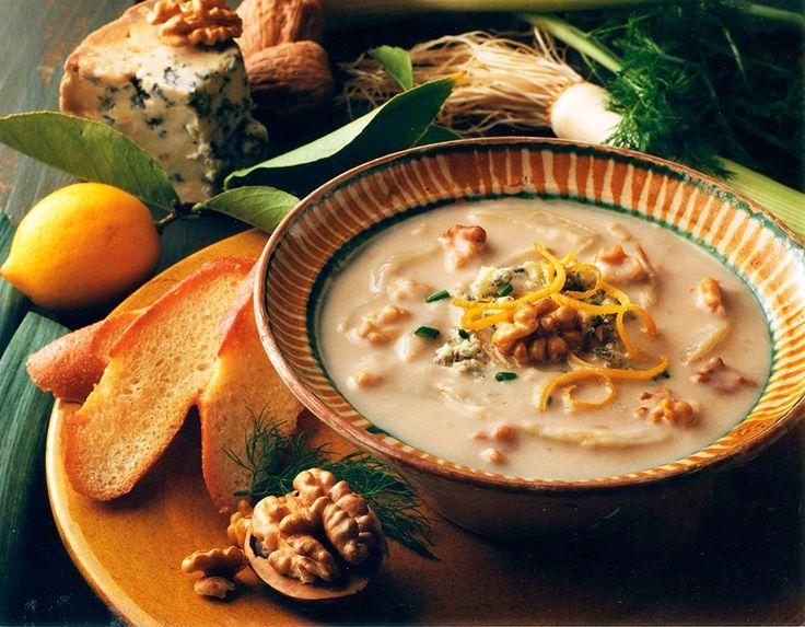 Sopa de hinojo asado con nueces de California - Nueces de California
