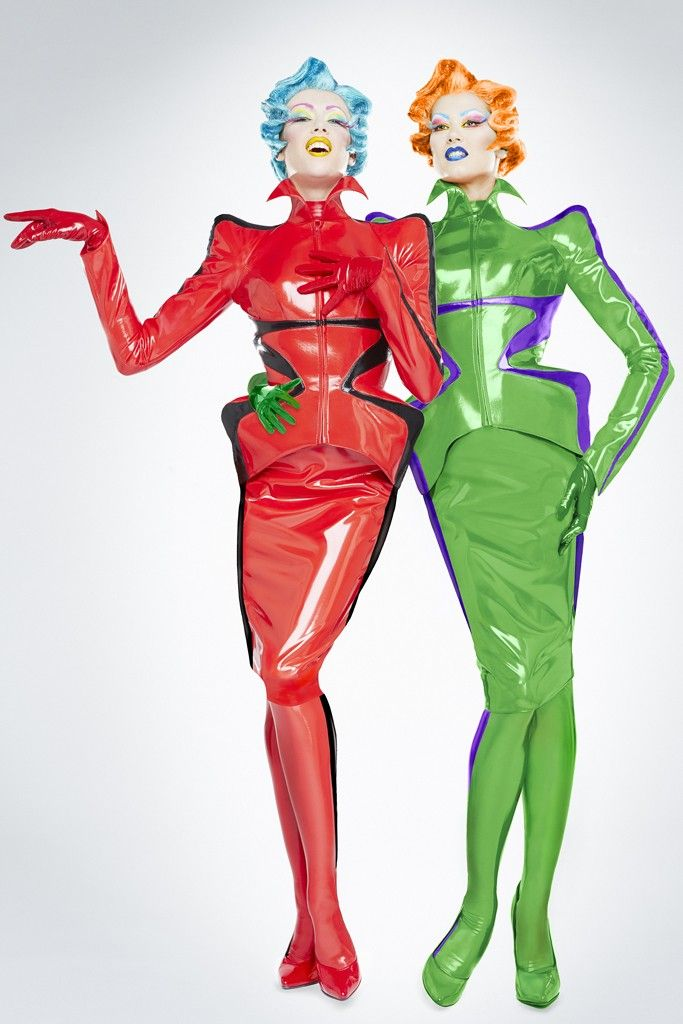 Thierry Mugler's Cabaret Revue Debuts in Paris - Slideshow