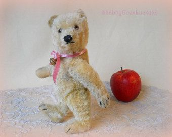 Steiff teddy bear, made in Germany 1965, blonde mohair, jointed, with plastic eyes, embroidered nose & 4 claws, fine old vintage Steiff bear